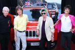 Jeep Renegade Rolling Stones Charitybuzz Auktion Versteigerung Mick Jagger Keith Richards Ronnie Wood Charlie Watts Autogramm Kompakt SUV Geländewagen Offroad Allrad 4x4 MultiAir Turbo Vierzylinder Turbodiesel