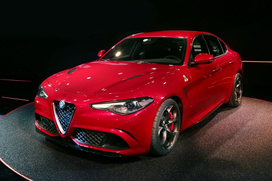 alfa romeo giulia quadrifoglio verde 2016 kampfansage mit. Black Bedroom Furniture Sets. Home Design Ideas