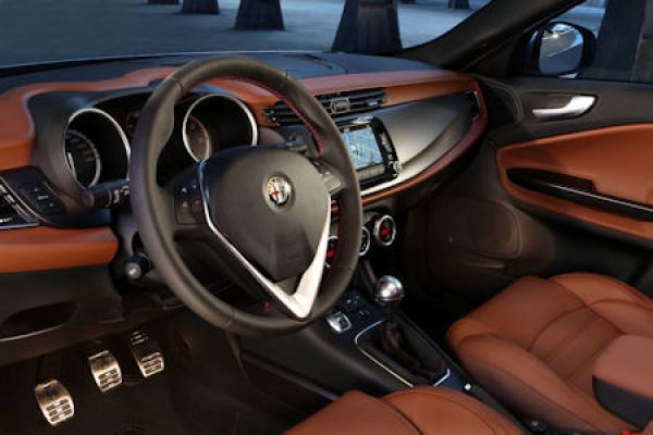 Alfa Romeo Giulietta 2014: Die heiße Italienerin mit neuer Schminke ...