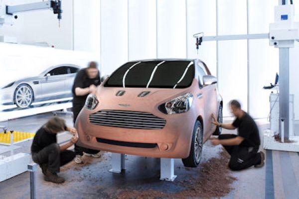 Aston Martin Cygnet Toyota Iq Wird Zum Luxus Stadtwagen Speed Heads