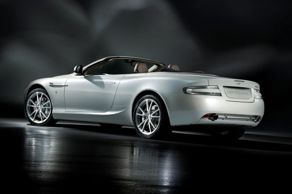 Aston Martin Db9 Morning Frost Die Eiskalte Eleganz Speed Heads