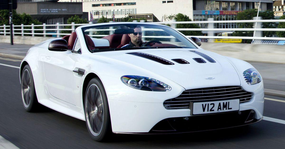 Aston Martin V12 Vantage Roadster Oben Offen Und Verdammt Schnell Speed Heads