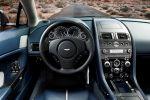 Aston Martin V12 Vantage S Roadster 6.0 V12 Sportshift Sportwagen Cabrio Interieur Innenraum Cockpit