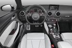 Audi RS3 Sportback 2015 2.5 TFSI Fünfzylinder Turbo quattro Allrad Sportversion Kompaktsportler S tronic Doppelkupplungsgetriebe Magnetic Ride Drive Select Comfort Auto Dynamic MMI Touch Navigation plus WLAN Internet Interieur Innenraum Cockpit