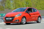 Peugeot 208 BlueHDi 100 2015 Kleinwagen Diesel Rekord Verbrauch Effizienz Spritsparmeister Spritsparer Front Seite