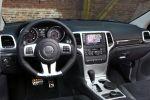 jeep grand cherokee srt test - 6.4 v8 performance sport suv offroad geländewagen interieur innenraum cockpit