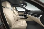 BMW M760Li xDrive 7er G12 Allrad V12 TwinPower Turbo Steptronic Sportgetriebe Luxus Limousine Interieur Innenraum Cockpit Vordersitze