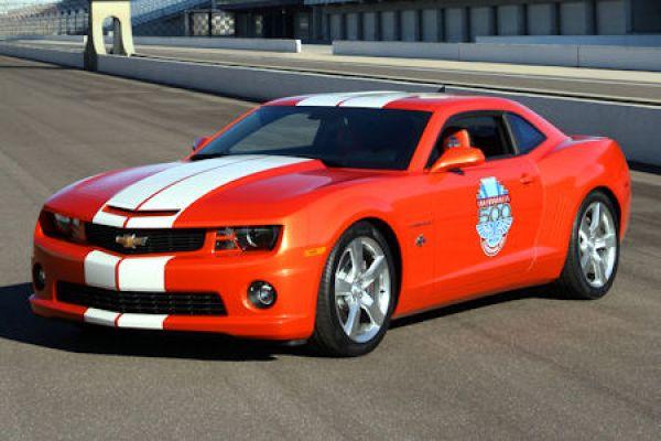 Car X Indianapolis: Chevrolet Camaro Führt Legendäres Indy 500-Rennen 2010 An