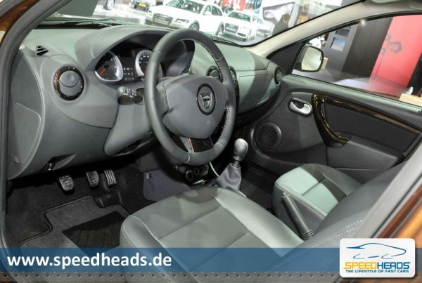 Dacia Duster Cockpit