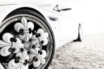 Graf Weckerle Aston Martin V8 Vantage Blanc de Blancs 4.7 V8 Imperialwagen Champagner Chardonnay Fleur de Lis Felge Rad Schmuckrad Gelbgold Blattgold