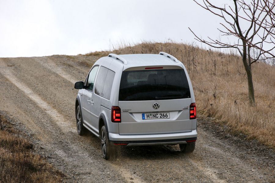 vw caddy alltrack 4motion auf die harte tour der offroad test speed heads. Black Bedroom Furniture Sets. Home Design Ideas