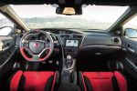 honda civic type r gt 2015 test kompaktsportler street racer sportversion 2.0 i-vtec turbo hot hatch +r modus honda connect internet smartphone apps probefahrt fahrbericht review interieur innenraum cockpit