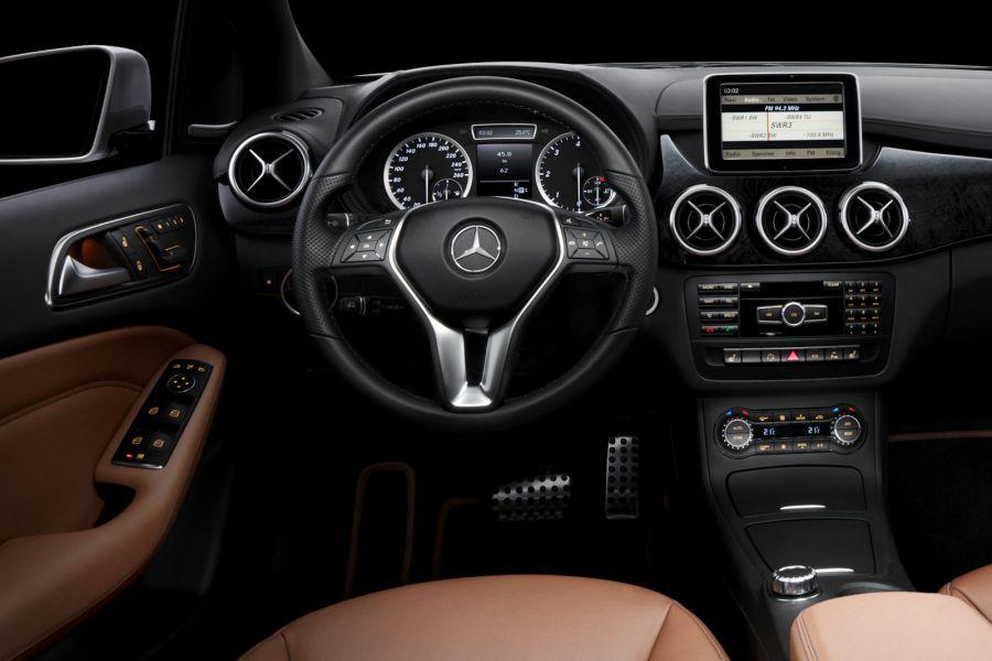 Interieur mercedes  Mercedes B-Klasse: Die neue Generation - Die ersten Bilder des ...