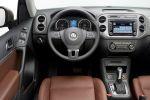 VW Volkswagen Tiguan Facelift 2011 Kompakt SUV Innenraum Interieur Cockpit