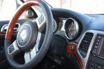 Jeep Grand Cherokee 5.7 V8 HEMI Test - Innenraum Cockpit Lenkrad