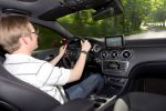 mercedes benz a 250 blue efficiency amg sport test - a-klasse kompaktklasse 2.0 vierzylinder turbo benziner 7g-dct doppelkupplungsgetriebe xtc extended traction control collision prevention assist distronic plus pre-safe attention assist parkassistent internet interieur innenraum cockpit