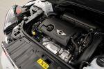 Mini Countryman R60 Cooper S All 4 Test - Motorraum Motor 1,6 Liter Turbo Vierzylinder
