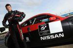 Nissan GT Academy 2012 Gewinner Sieger Peter Pyzera Silverstone Racecamp Sony Playstation Gran Turismo Training Seite Ansicht
