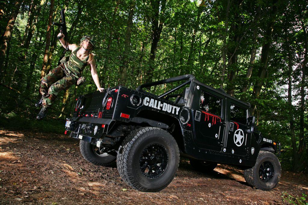 Hummer H1 в стиле Call of Duty.