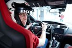 honda civic type r gt 2015 test kompaktsportler street racer sportversion 2.0 i-vtec turbo hot hatch +r modus honda connect internet smartphone apps probefahrt fahrbericht review interieur innenraum cockpit christian brinkmann