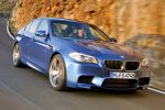 BMW M5 F10 4.4 V8 Twin Power Turbo High Precision Injection Valvetronic DKG Drivelogic DTC DSC CBC DBC Dynamic Drive Efficient Dynamics Low Speed Assistance Launch Control D1 D2 D3 Front Seite Ansicht
