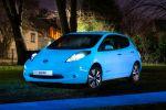 Nissan Leaf Starpath Lack fluoreszierend Leuchten Glühen Strontium Aluminate EV Electric Vehicle Elektroauto Hamish Scott Front Seite
