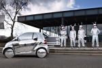 Smart Fortwo Electric Drive EV Vehicle Elektroauto Discoball Apparatjik Magne Furuholmen a-ha Coldplay Bassist Guy Berryman Mew Sänger Jonas Bjerre Drummer Martin Terefe Seite Ansicht