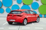 opel astra k 1.4 ecotec turbo 2016 test kompaktklasse voll led matrix licht intellilux led intellilink smartphone app onstar internet wlan kofferraum gepäckraum laderaum probefahrt fahrbericht review verdict heck seite