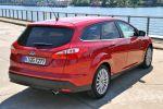 Ford Focus Turnier Test - Heck Ansicht von hinten Kofferraum Deckel Klappe Rückleuchten Auspuff