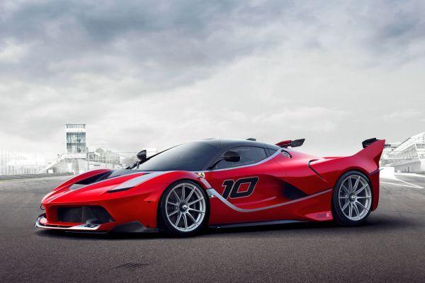Ferrari FXX K 6.2 V12 Elektromotor Hybrid HY-KERS E-Diff F1-Trac Qualify Long Run Manual Boost Fast Charge Corse Clienti Hypercar Supersportwagen Front Seite