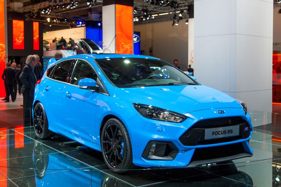 video ford focus rs 2016 hei e infos aus erster hand speed heads. Black Bedroom Furniture Sets. Home Design Ideas