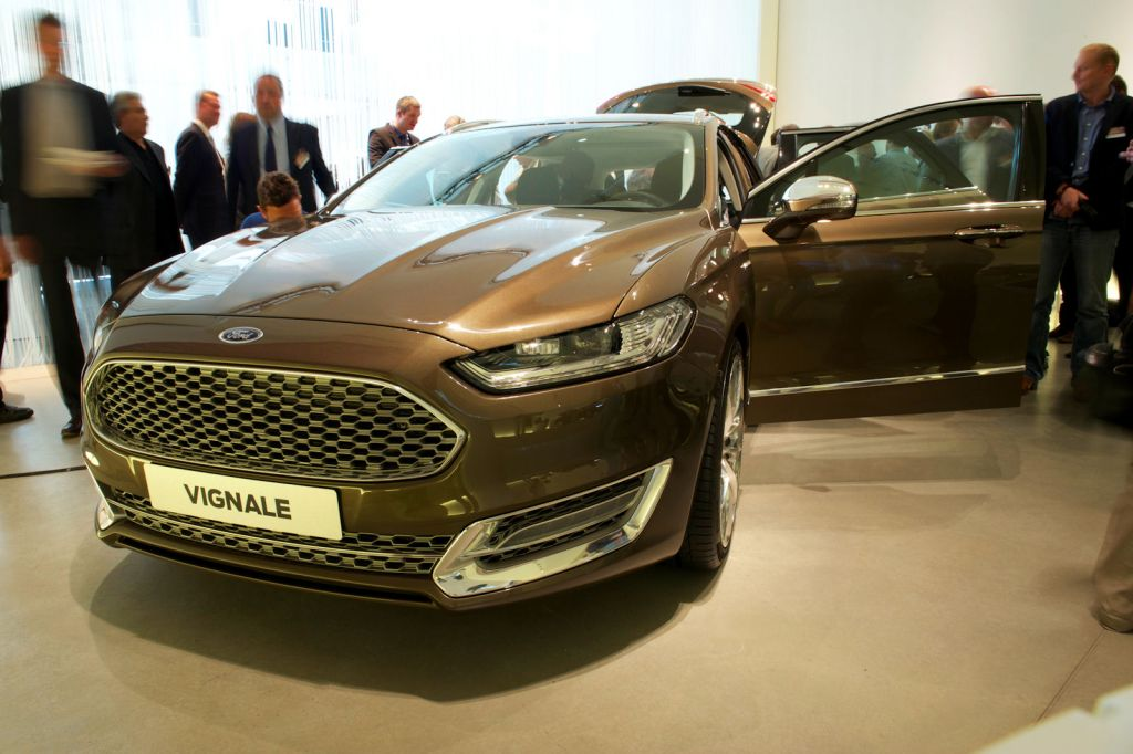ford mondeo vignale 2015 erste live bilder die neue. Black Bedroom Furniture Sets. Home Design Ideas