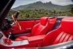 Eagle Jaguar E-Type Speedster - Innenraum Cockpit rotes Leder Sitze Lenkrad Schaltknauf Mittelkonsole Amaturenbrett Tacho