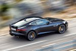 Jaguar F-Type R Coupé V8 Kompressor Launch Control Sportwagen Dynamik EAD Differential Differenzial Torque Vectoring by Braking Adaptive Dynamics SportShift DSC Heck Seite