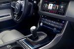 Jaguar XF R-Sport 2016 20d 30d Diesel 35t V6 Benzin Sportlimousine X260 AWD Allrad Torque Vectoring InControl Touch Pro Infotainment Smartphone App Adaptive Dynamics Adaptive Surface Response AdSR Interieur Innenraum Cockpit