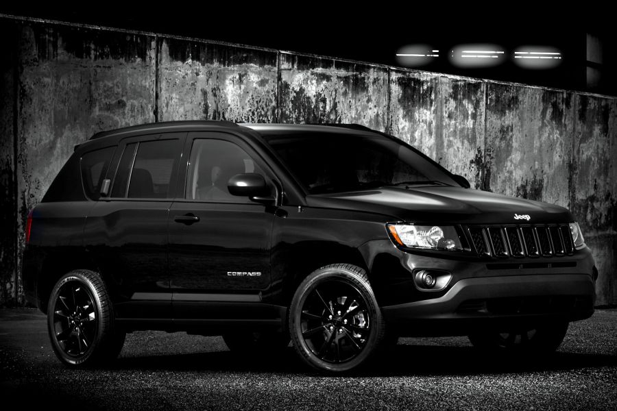 jeep compass black edition tief in schwarz geh llt. Black Bedroom Furniture Sets. Home Design Ideas