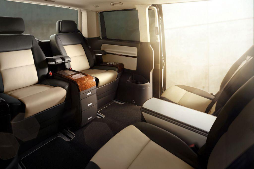 robbie williams setzt auf den vw multivan speed heads. Black Bedroom Furniture Sets. Home Design Ideas