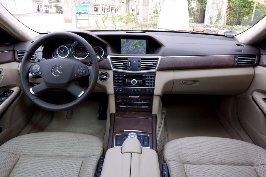 Mercedes e klasse 2011 mit neuen motoren effizient wie for Innenraum design