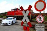 Lexus LFA Test - Front Ansicht vorne weiß Schienen Gleiß