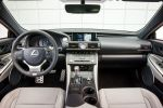 Lexus RC 200t F Sport Vierzylinder Twin Scroll Turbolader Direktschaltautomatik Sportcoupe Drive Mode Select Torsen Differenzial AVS adaptiv variables Fahrwerk Touchpad Interieur Innenraum Cockpit