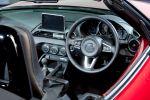 Mazda MX-5 Roadster ND 2015 Sportwagen Skyactiv-G 2.0 1.6 MZD Connect Internet App Interieur Innenraum Cockpit