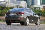 Mazda 3 Limousine 2013 1.5 2.0 Skyactiv-G 100 120 165 2.2 Skyactiv-D 150 i-stop i-eloop Active Driving Display Touchscreen Internet App Head-up i-Activsense RVM LDWS SCBS MRCC SBS Pre-Crash Heck