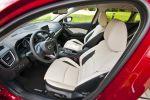 Mazda 3 Schrägheck Hatchback 2013 1.5 2.0 Skyactiv-G 100 120 165 2.2 Skyactiv-D 150 i-stop i-eloop Active Driving Display Touchscreen Internet App Head-up i-Activsense RVM LDWS SCBS MRCC SBS Pre-Crash Interieur Innenraum Cockpit