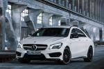 Mercedes-Benz CLA 45 AMG 2.0 Vierzylinder Turbo viertüriges Coupe Performance Limousine 4MATIC Allrad Speedshift DCT 7 Gang Sportgetriebe Front Seite Ansicht