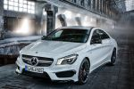 Mercedes-Benz CLA 45 AMG 2.0 Vierzylinder Turbo viertüriges Coupe Performance Limousine 4MATIC Allrad Speedshift DCT 7 Gang Sportgetriebe Front Ansicht