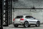 Mercedes-Benz GLA Concept Kompakt SUV 4MATIC Allrad 7G-DCT Turbo Benziner Laser Beamer Comand Online Heck Seite