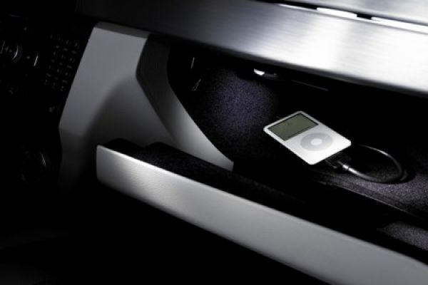 mercedes benz glk original zubeh r wei e sternstunden in. Black Bedroom Furniture Sets. Home Design Ideas