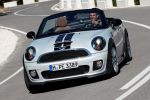 Mini Roadster Cooper S SD John Cooper Works Vierzylinder 1.6 Twin Scroll Turbolader 2.0 Turbo Diesel Minimalism DSC EPS EBD CBC EDLC DTC Zweisitzer Visual Boost Connected Always Open Timer Front Ansicht