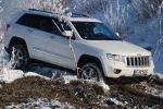 Jeep Grand Cherokee 5.7 V8 HEMI Test - Seite Ansicht seitlich Schnee