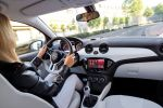 Opel Adam 1.0 Ecotec Direct Injection Turbo Dreizylinder Kleinstwagen Interieur Innenraum Cockpit